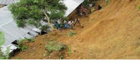 কক্সবাজারে পাহাড় ধস ও বানে ভেসে প্রাণ গেল ২০ জনের
